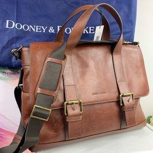Dooney&Bourke Hunter Messenger bag NWT unisex